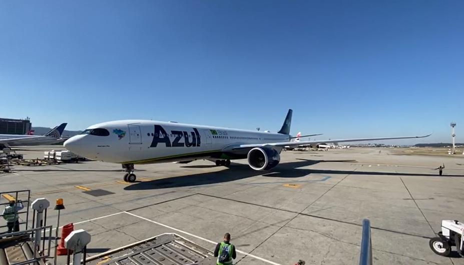 Azul A330neo chegada China GRU Airport