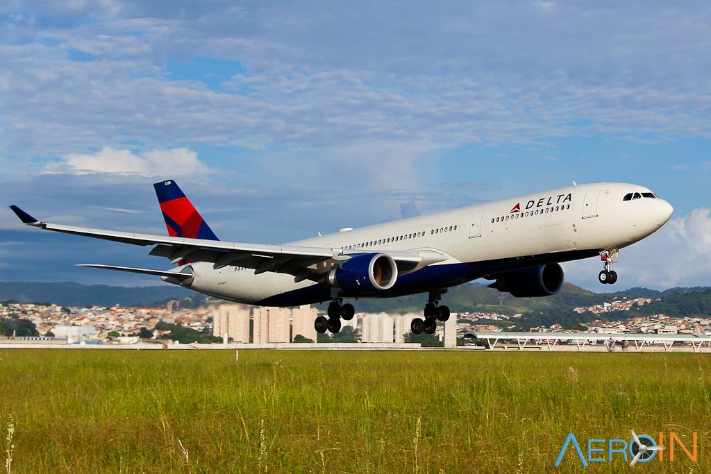 Avião Airbus A330-300 Delta Air Lines