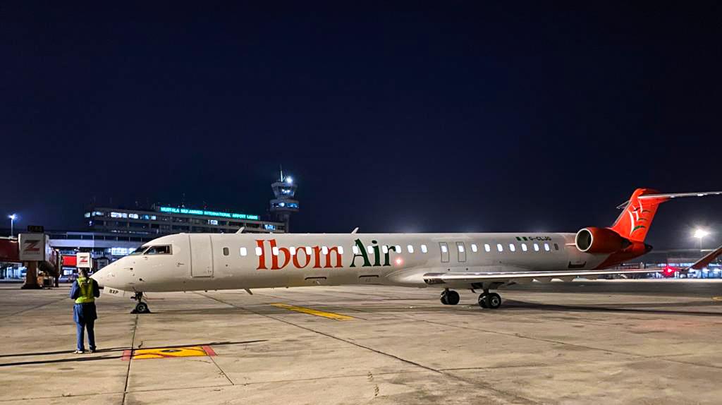 Avião CRJ900 Ibom Air