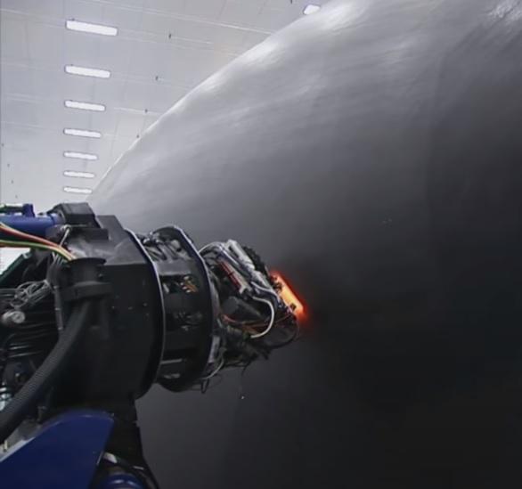 Vídeo Montagem Avião Boeing 787 Alta Temperatura Fibra de Carbono