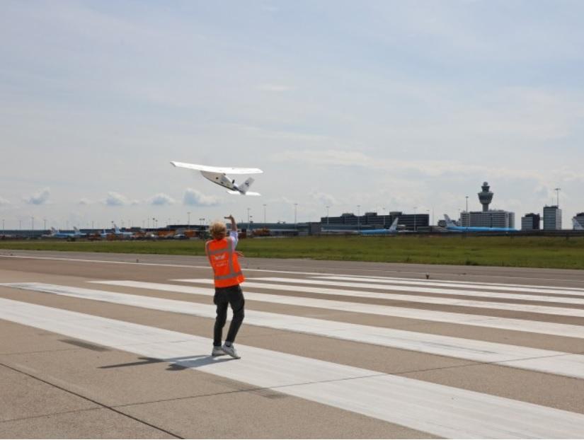 Aeroporto Amsterdã Schiphol Drone Inspeção Transporte