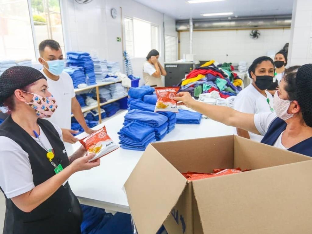 Azul doação Snacks Hospitais Curitiba