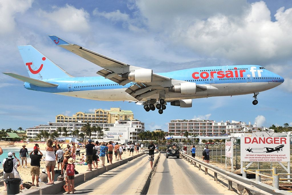 Avião Boeing 747-400 Corsair