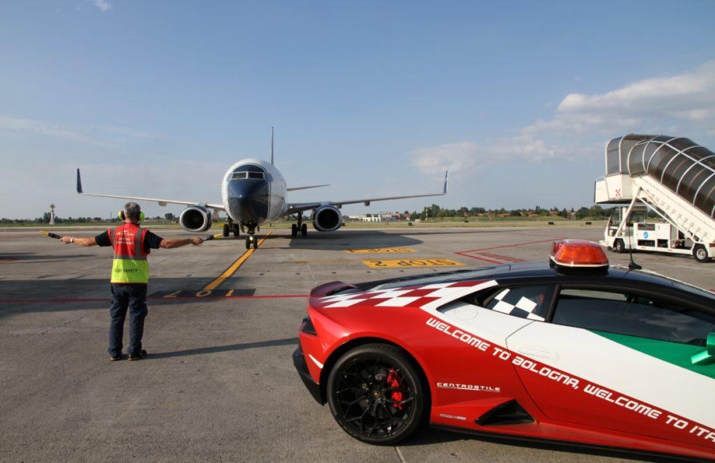 Aeroporto Bologna Lamborghini Huracán EVO