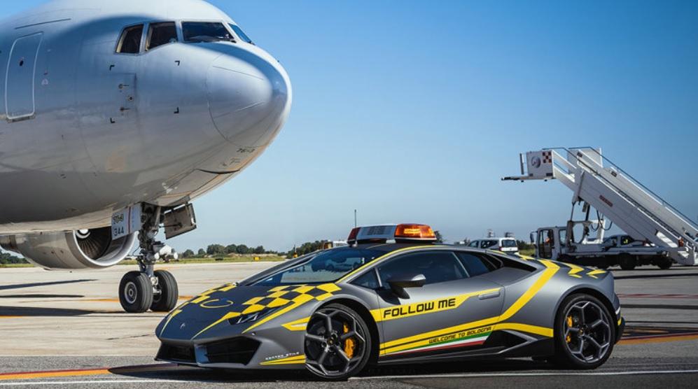 Aeroporto Bologna Lamborghini Huracán