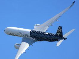 Avião Airbus A350 XWB Carbon