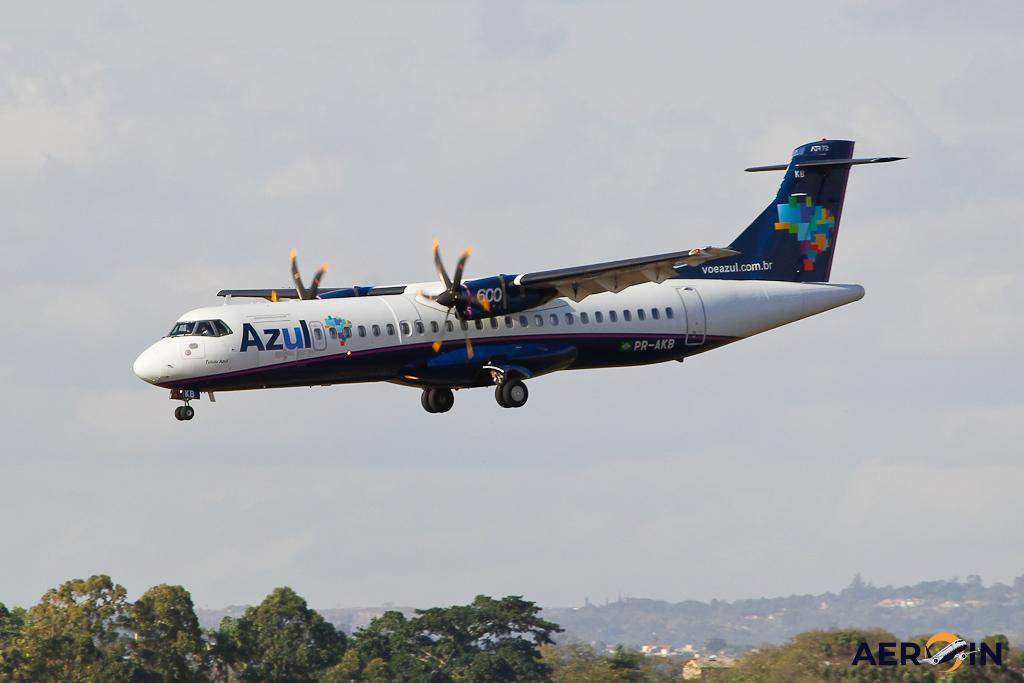 Avião ATR 72 Azul