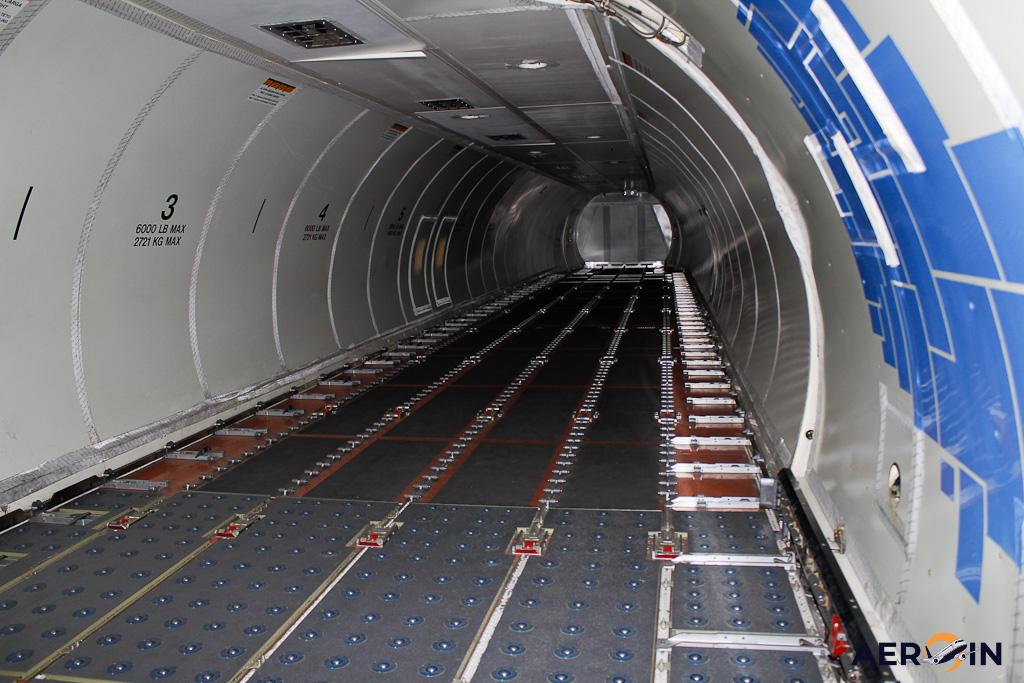 Interior Azul Cargo 737-400F