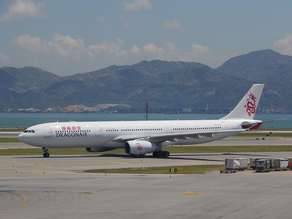 Avião Airbus A330-300 DragonAir Cathay Dragon