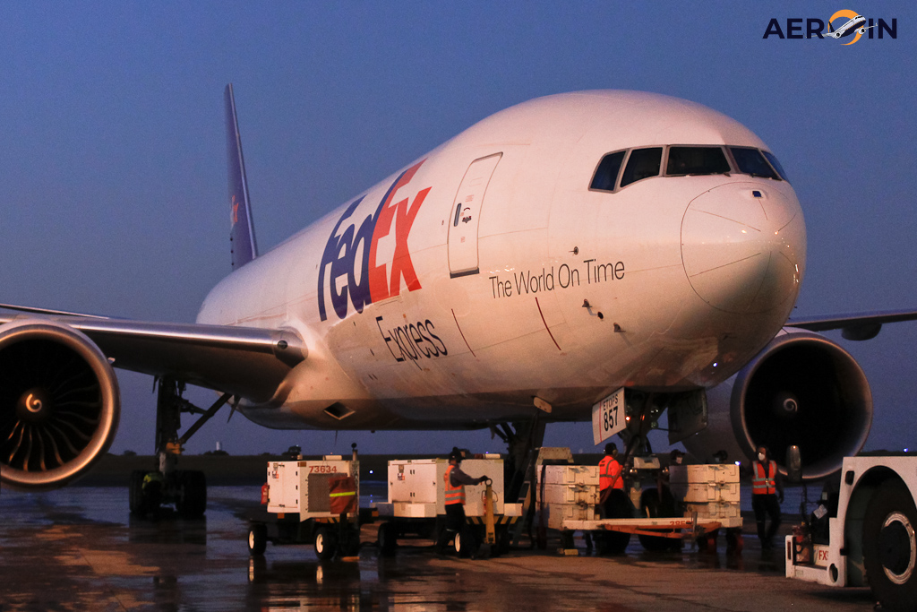 Avião FedEx Boeing 777F