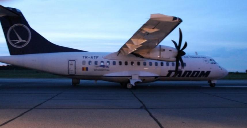 ATR 42 TAROM Pneus estourados pouso