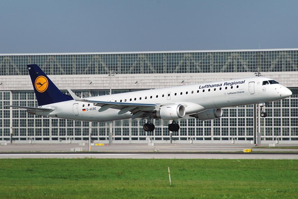 Avião Embraer E195 Lufthansa Cityline