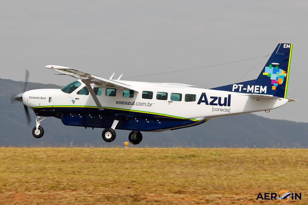 Avião Cessna C208 Grand Caravan Azul Conecta