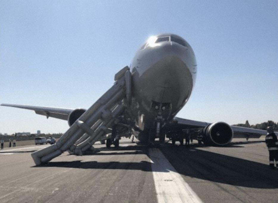 Boeing 767 Acidente Quebra Trem de Pouso Bucareste