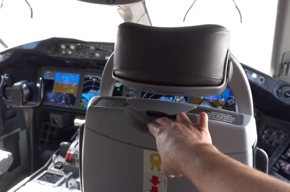 Vídeo tour detalhes exterior cockpit Boeing 787 Dreamliner