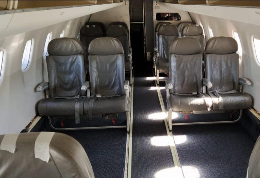Avião Azul Cargo Interior E195 Cargueiro