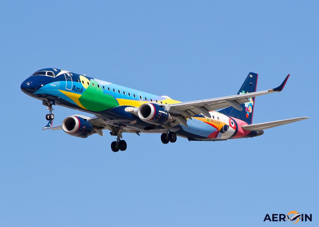 Avião Embraer 195 E195 Azul Linhas Aéreas