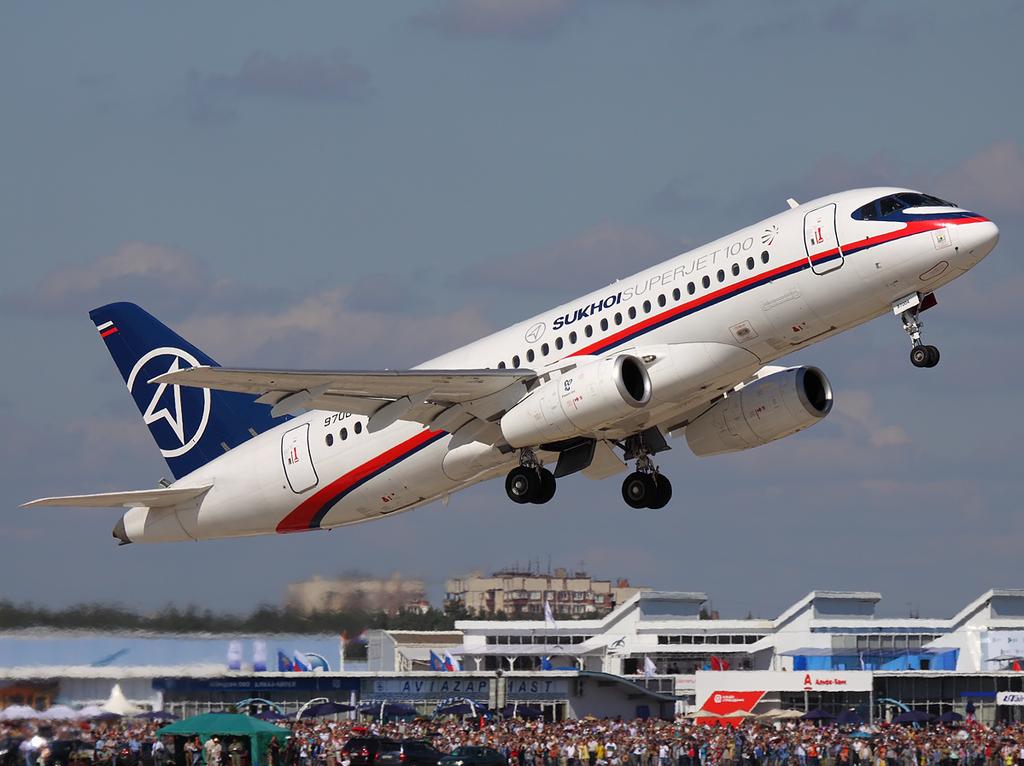 Avião Sukhoi SuperJet 100 SSJ