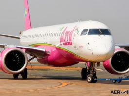 Avião Embraer E195-E2 Azul Linhas Aéreas Rosa