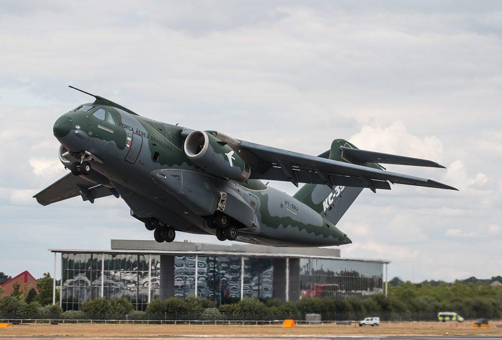 Avião Embraer C-390 Millennium