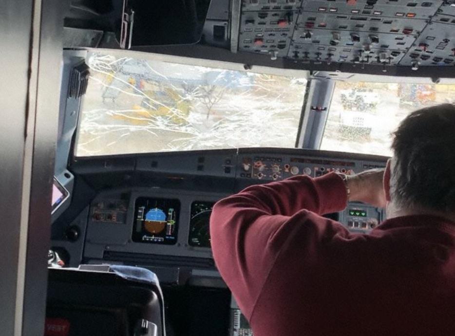 United A320 Para-Brisa Trincado Chicago