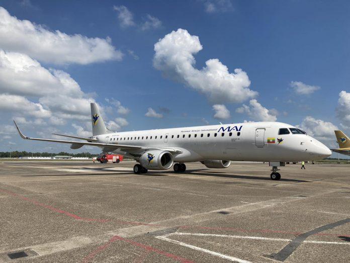 Avião Embraer E190 Myanmar Airways International