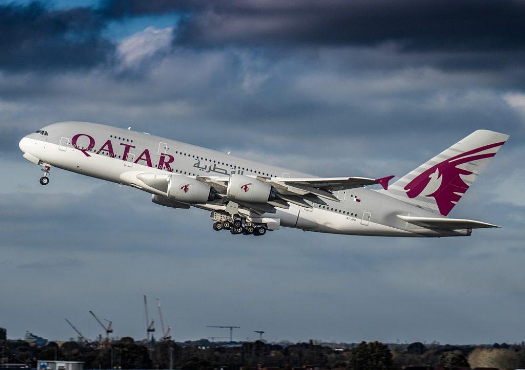 Avião Airbus A380 Qatar Airways