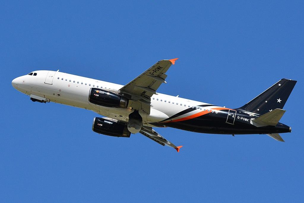 Avião Airbus A320 Titan Airways