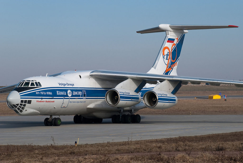 Avião Ilyushin IL-76TD Volga-Dnepr