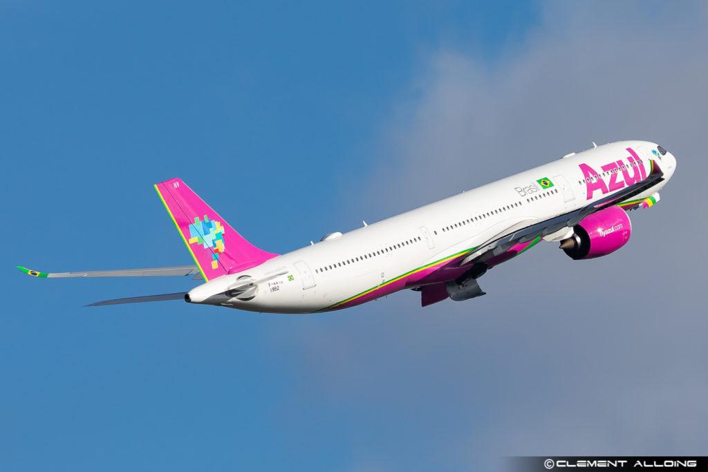 Avião Airbus A330-900 A330neo Azul Linhas Aéreas Rosa