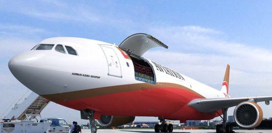 Avião Airbus A330-300 P2F CDB Leasing EFW