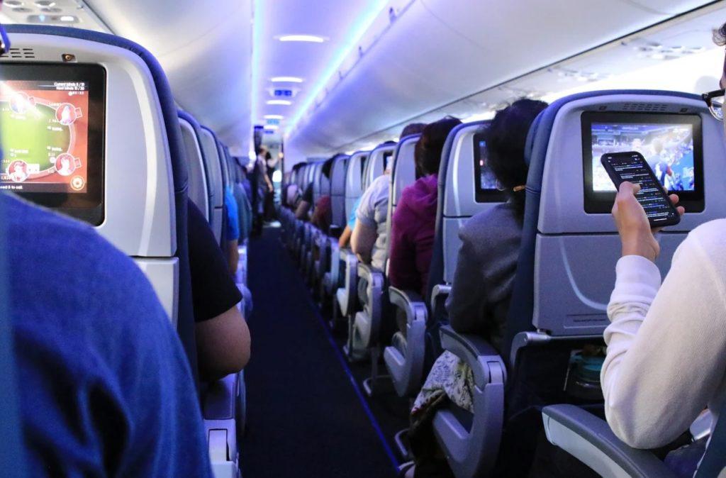 Cabine Avião Comercial Passageiros