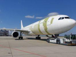Avião Airbus A330-300 P2F DHL EFW