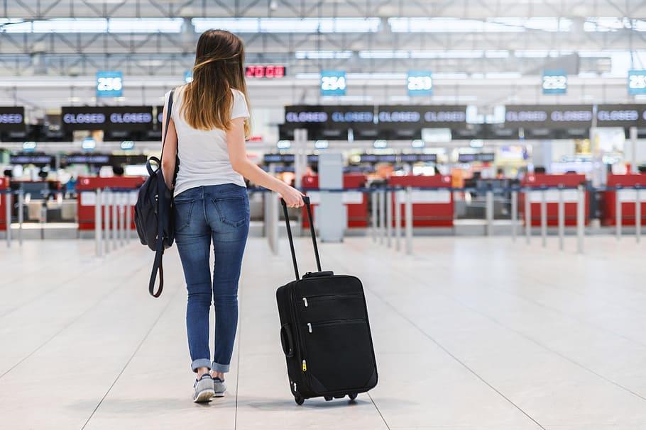 Passageira Terminal Embarque Aeroporto