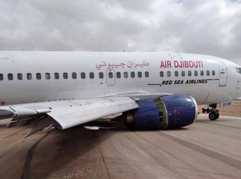 Air Djibouti Boeing 737-500 Acidente Trem de Pouso Garowe Somália