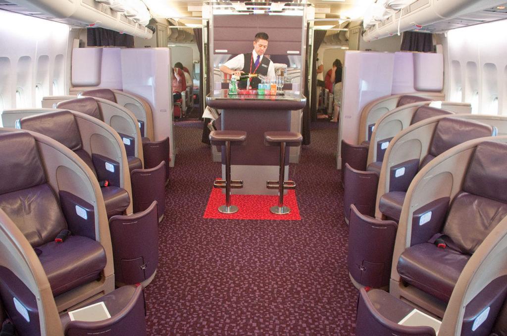 Cabine Upper Class Avião Boeing 747-400 Virgin Atlantic