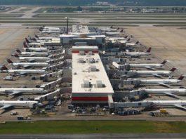 Aeroporto Atlanta Concourse B Pátio Frota Delta