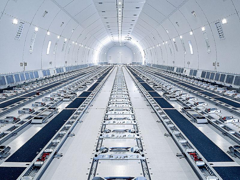 Avião Boeing 777F Fuselagem Lufthansa Cargo