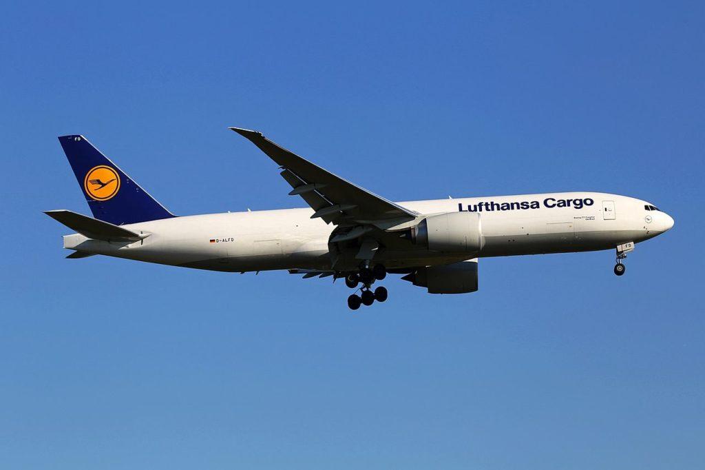 Avião Boeing 777F Olá Brazil