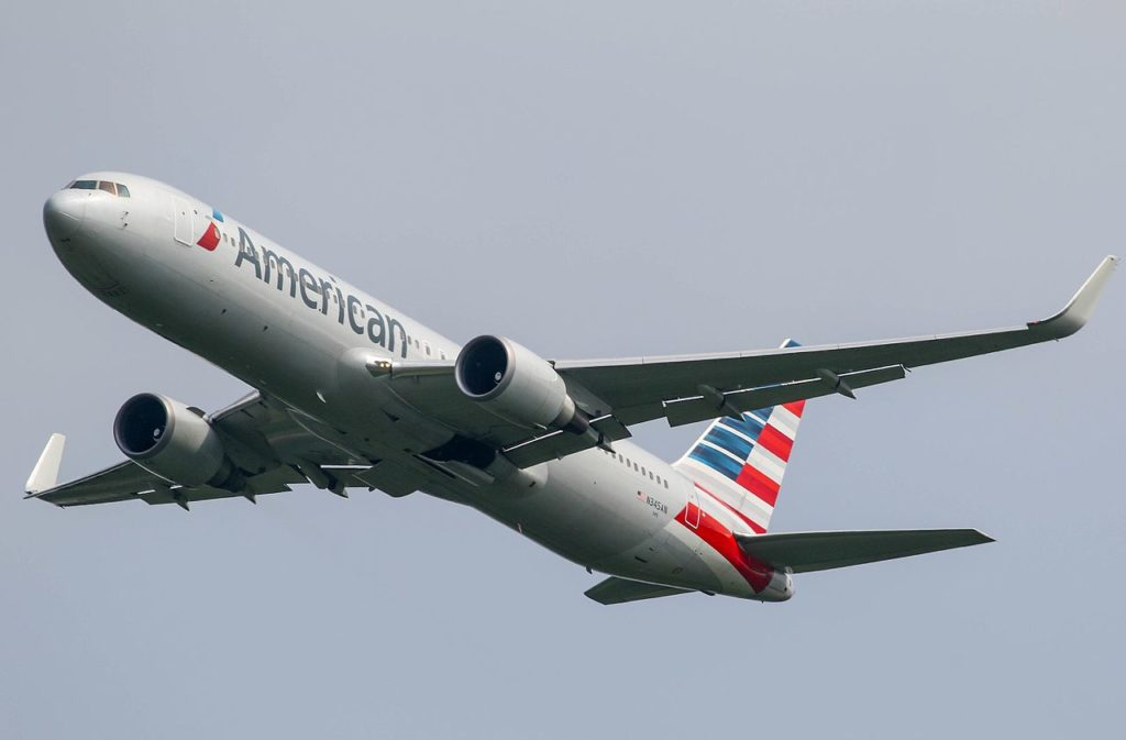 Avião Boeing 767-300ER American Airlines