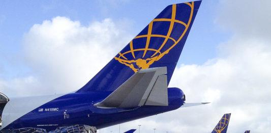 Avião Boeing 747-400F Carga Atlas Air