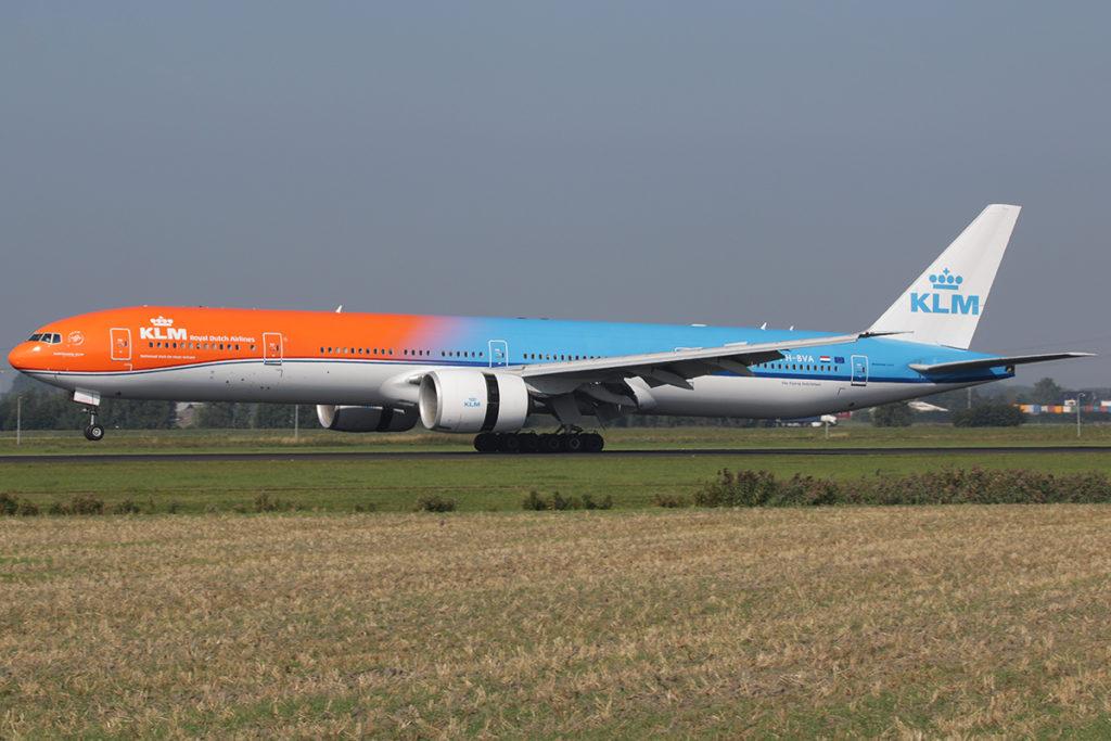 Avião Boeing 777-300ER Orange Pride Laranja KLM