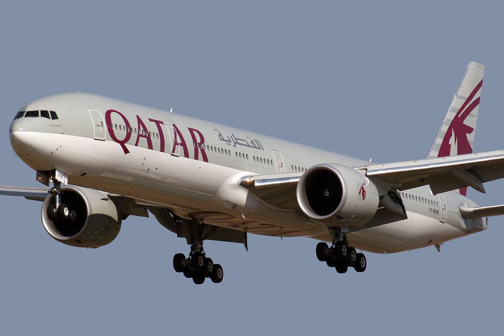 Avião Boeing 777-300ER Qatar Airways