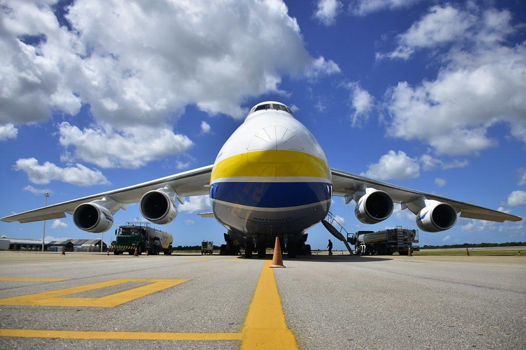 Avião Antonov An-124 Ruslan Brasil