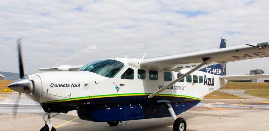 Avião Cessna C208B Grand Caravan Azul Conecta