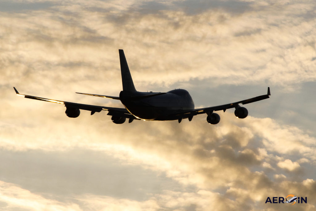 Avião Boeing 747-400F