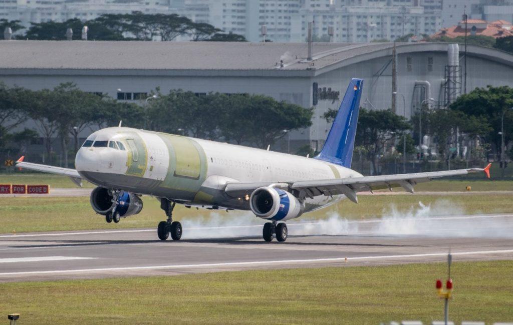 Avião Airbus A321 P2F