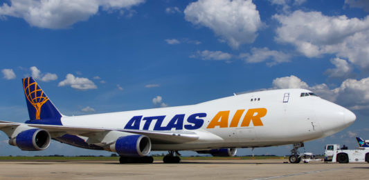 Avião Boeing 747-400F Jumbo Atlas Air