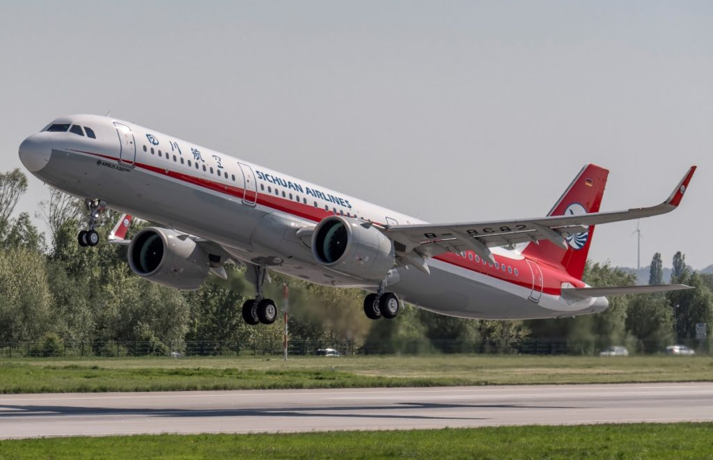 Avião Airbus A321neo Sichuan Airlines 1000º GTF P&W